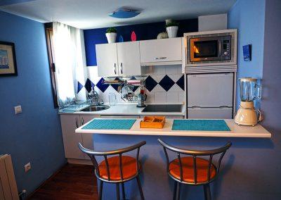 cocina-apartamento-azul